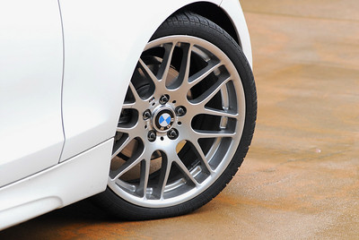 M3 ZCP wheels on the 128i, measuring 19 x 8 on all four corners.