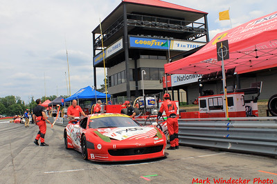 AIM Autosport Team FXDD Ferrari 458