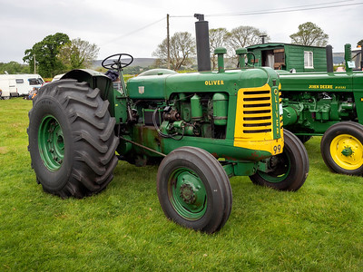 Oliver 99 Tractor
