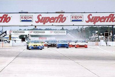 2001_92_sebring_start