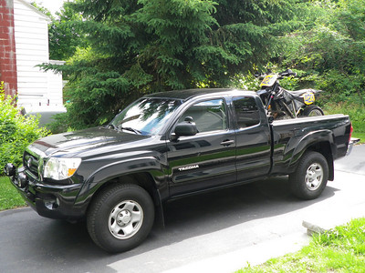 2007 Toyota Tacoma.  I had this for 5 years.  Not a single issue with it.