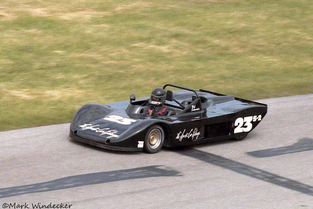 S/2000 Bob Schneider