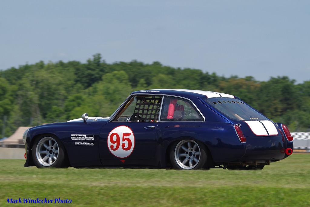 Donald Munoz MG B GT