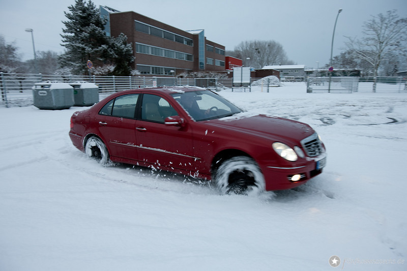 388PS bei ausgeschaltetem ESP auf geschlossener Schneedecke :-)