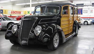 1937 Ford Woody Wagon hot rod.