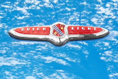 1947 Buick Eight hood emblem