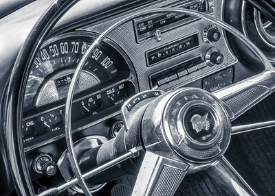 Pontiac Chieftain dash and steering wheel
