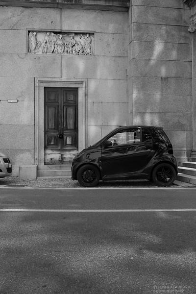 Streetscape near Villa Carlotta