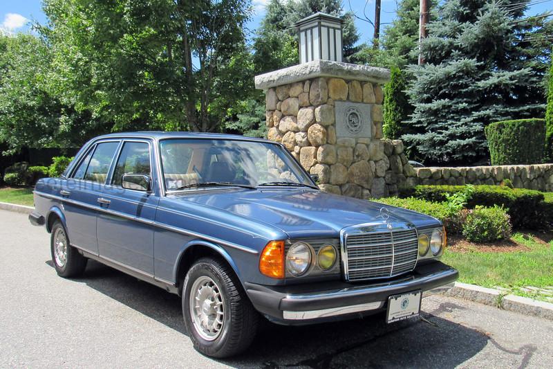 1983 Mercedes-Benz 300D Turbo Diesel