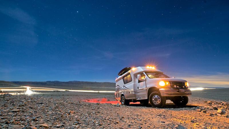 Chinook 2100 Concourse XL 4x4 turbo diesel RV south of Las Vegas