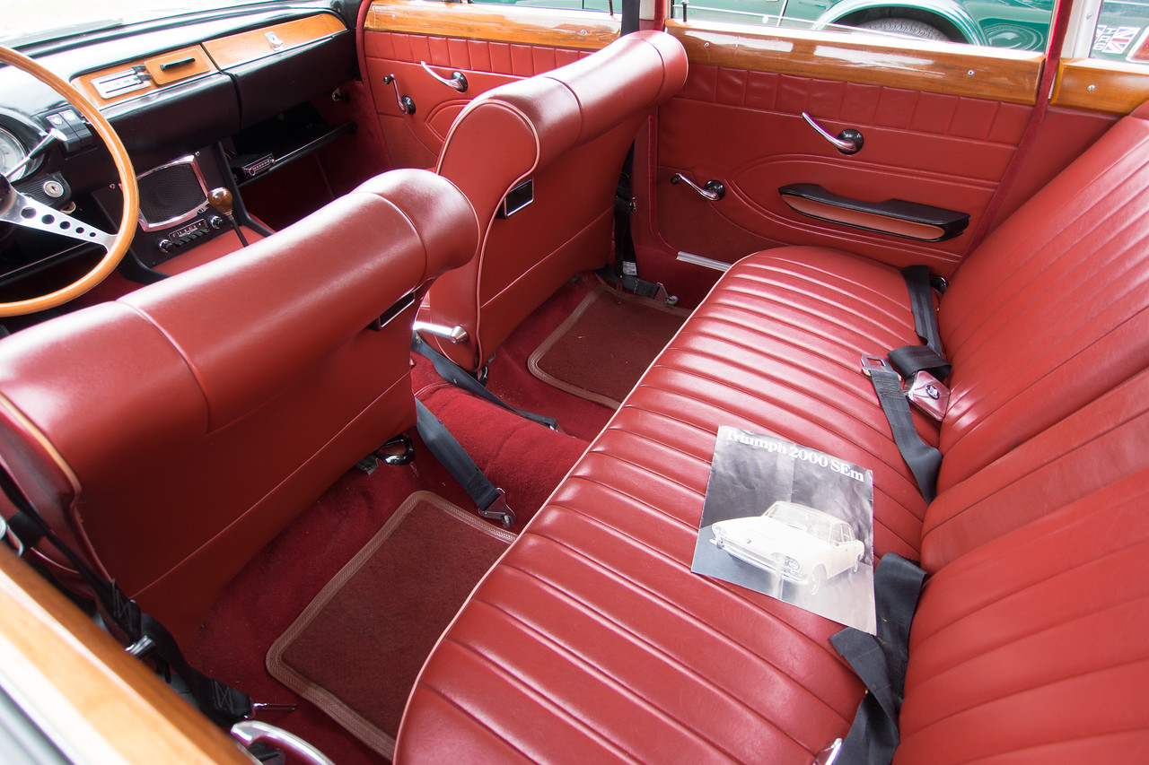 1967 Triumph 2000 backseat