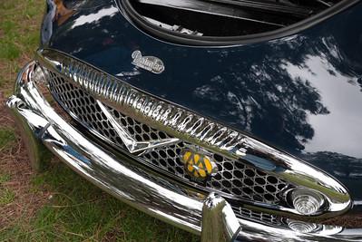 1963 Daimler SP250 Grill.