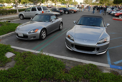 This was convienent. An early (AP-1) and later (AP-2) S2000 side by side.