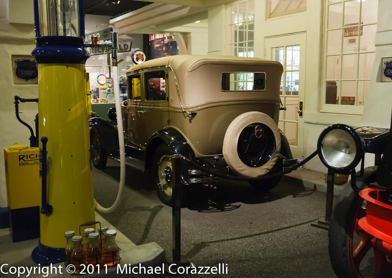 Petersen Auto Museum 1_11-029