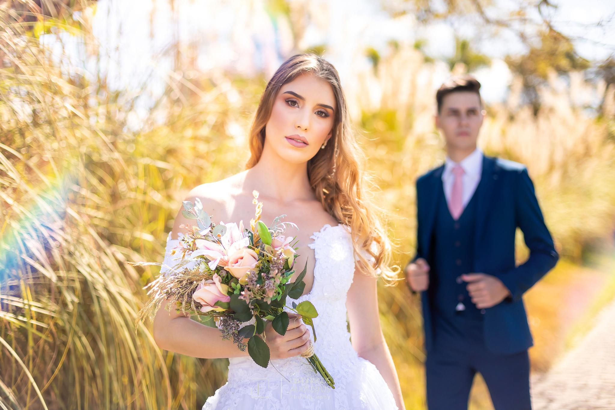 no ensaio de pós casamento tem que ter fotos da noiva com o noivo