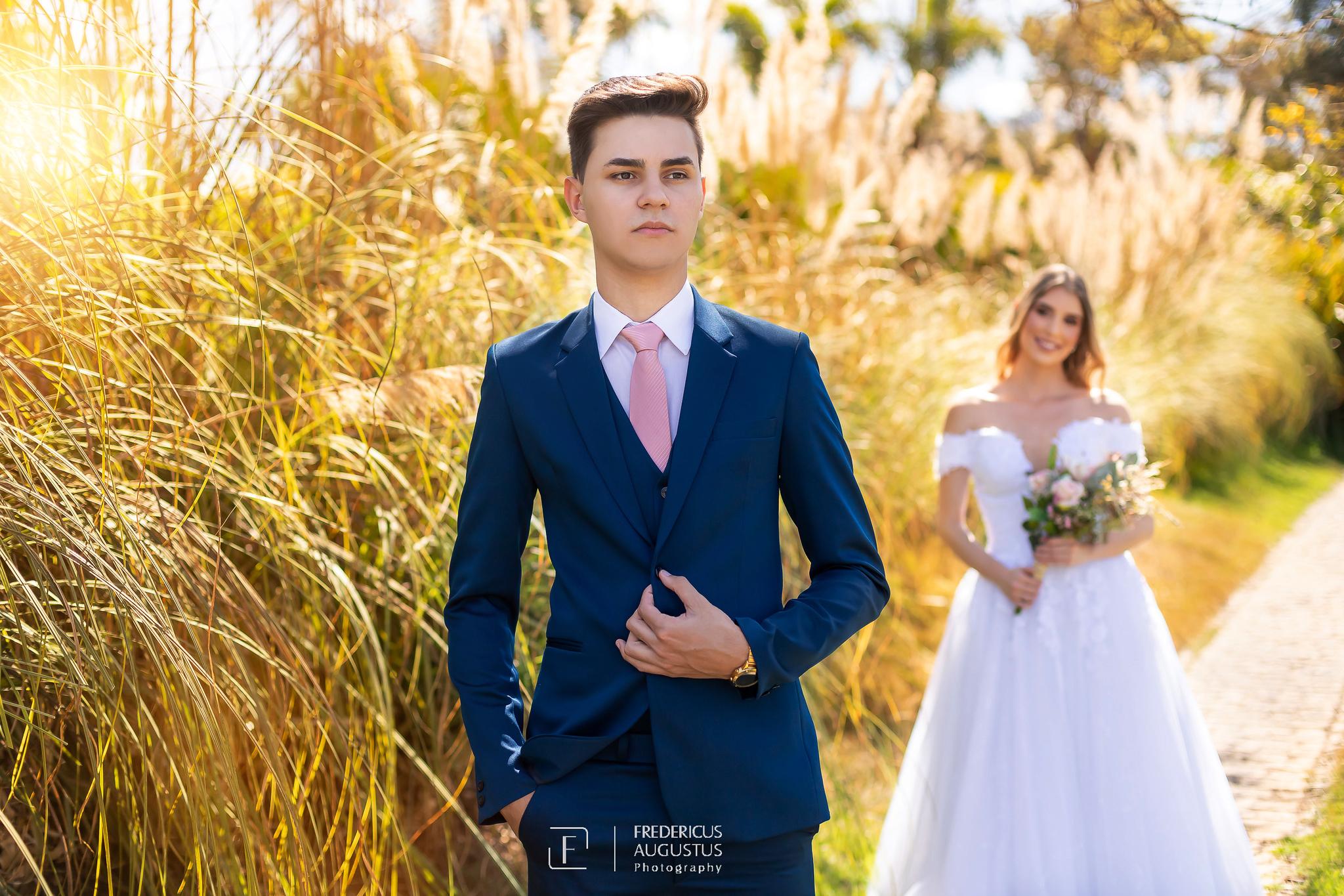 foto do terno e gravata do noivo não pode deixar de ter no ensaio de pós casamento