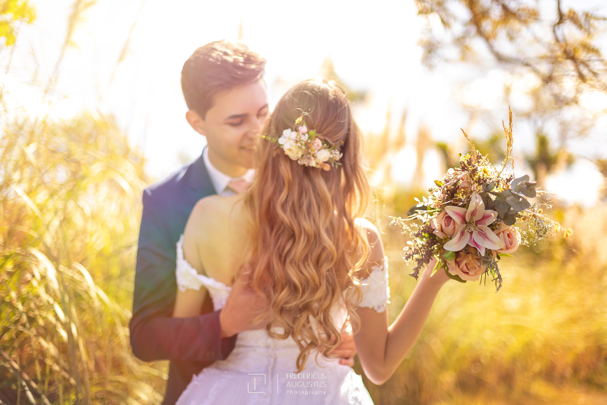 no ensaio de pós casamento tem que ter fotos da noiva com o seu buquê