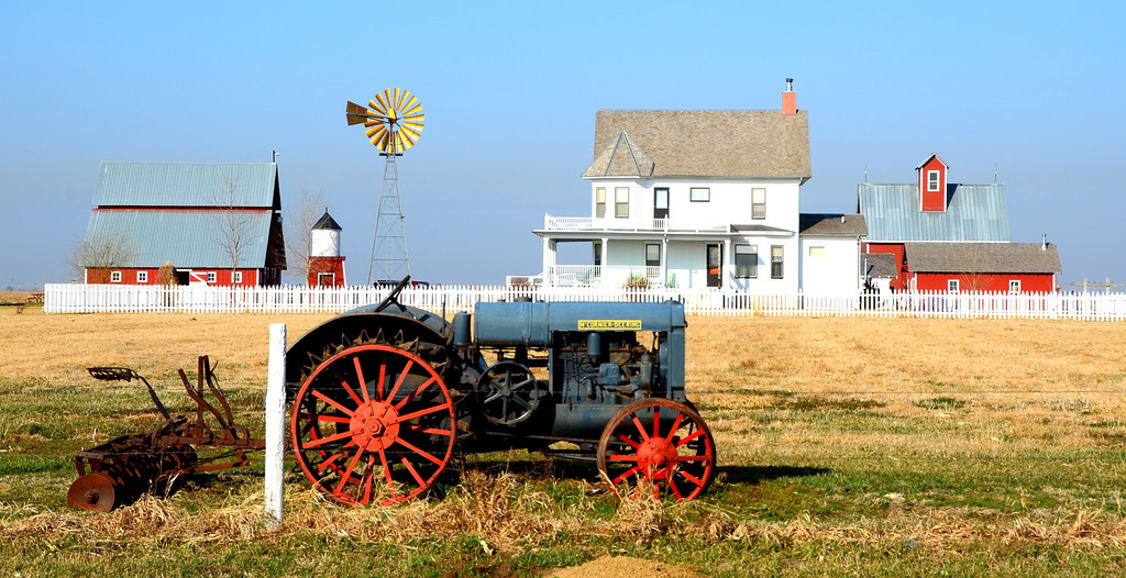 """I stumble upon this perfectly preserved farm near York, Nebraska. I do a little research and find that :<br /> <br />  """"The Wessels Living History Farm of York, Nebraska offers visitors the best of both worlds: a hands-on chance to view an operating farm in the Central Plains as well as the opportunity to then go home and learn a great deal more through their online resources. The Farm's site presents a decade-by-decade overview of agriculture in the twentieth-century (with Quicktime interviews) and also focuses on many of the cultural events surrounding life on the farm. There's a great deal of audio and visual presentations here, and, to the Farm's credit, much of this is geared towards educating younger generations about rural culture. This is a fantastic site with enough to read and watch to keep one busy through a long winter's afternoon.""""<br /> <br /> <br />  <a href=""""http://www.livinghistoryfarm.org/aboutthefarm.html"""">http://www.livinghistoryfarm.org/aboutthefarm.html</a>"""