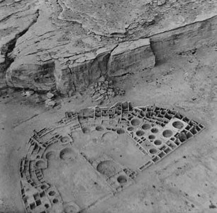 The first aerial photographs of Chaco Canyon were taken from Charles Lindbergh's airplane by his wife Anne Morrow Lindbergh in 1929.