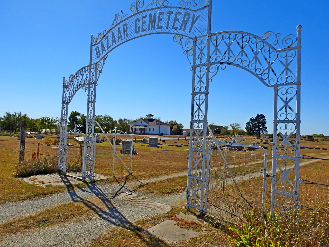 Bazaar Cemetery was well groomed and contains graves of some of the earliest settlers of the area.