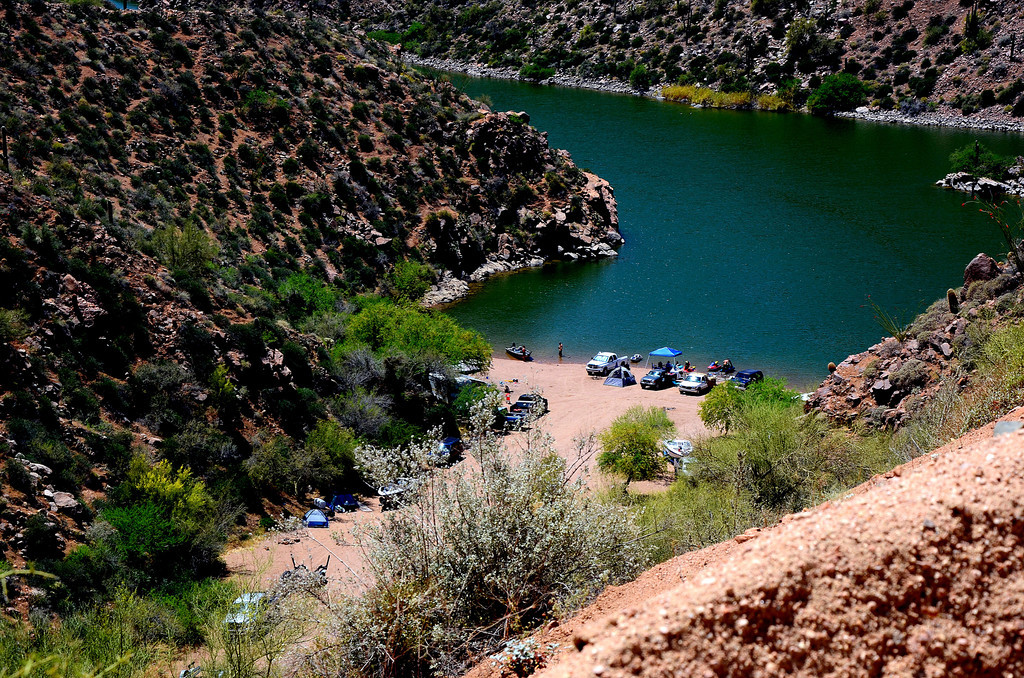 Three Mile Wash Recreation Site. Another potential camping area along Apache Lake.