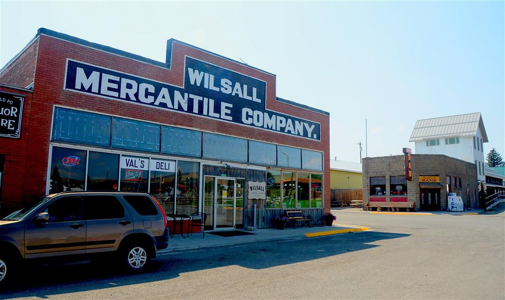 "September 4<br /> <br /> Wilsall, Mt. Merchantile and ""Bank Bar""."