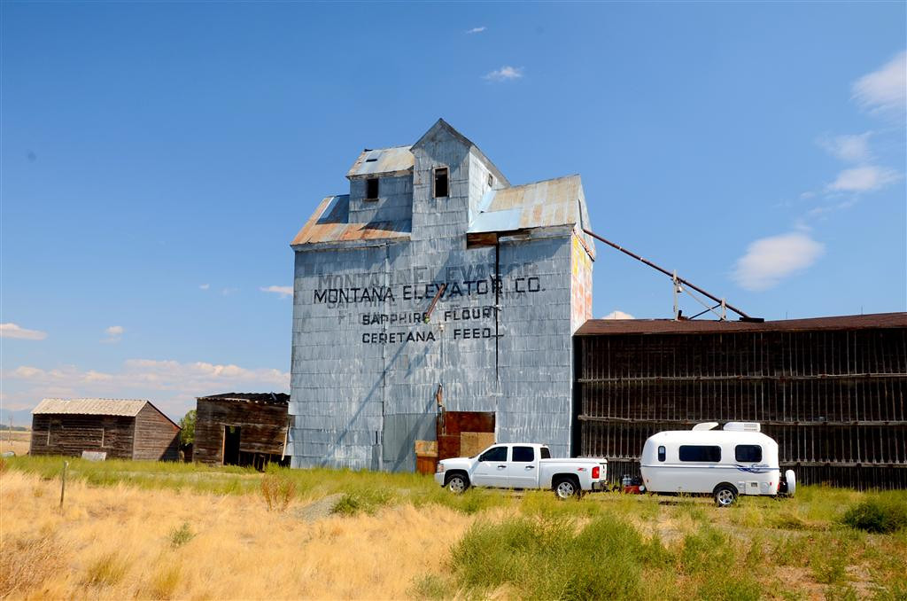 September 4<br /> <br /> I stop in Wilsall, Mt. another very interesting town along the way. I find their history is well documented, the city park and cemetery (my gauge for a town's pride)  are well cared for and some of the ranch families have been in place here for over 100 years.