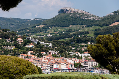 Massive rock protecting Cassis