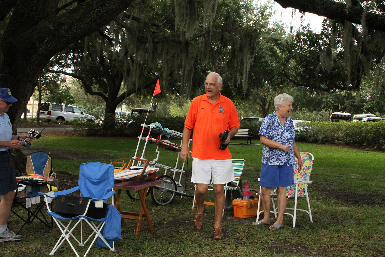 Ah retired life, nothing like sitting under a shade tree, running remote control boats and having a good laugh, with good friends and family.