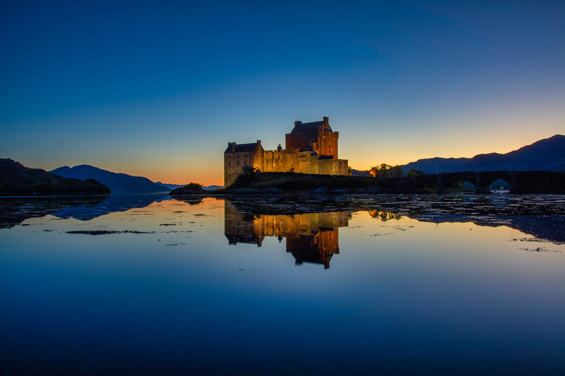 Eilean Donan Castle at sunset, Highlands Scotland.