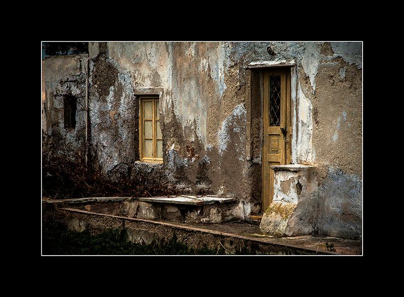 Santorini old door