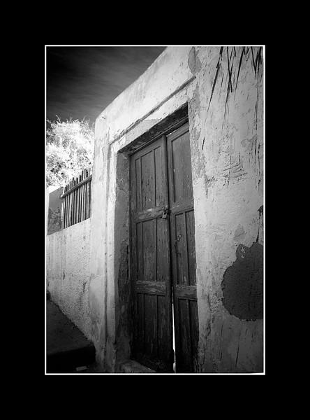 Old door, Fira