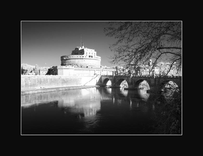Chateau St-Ange au bord du Tibre