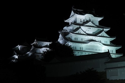 White Heron Castle illuminated 姫路城