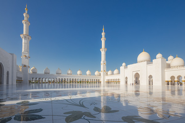 Sheikh Zayed Grand Mosque. Abu Dhabi