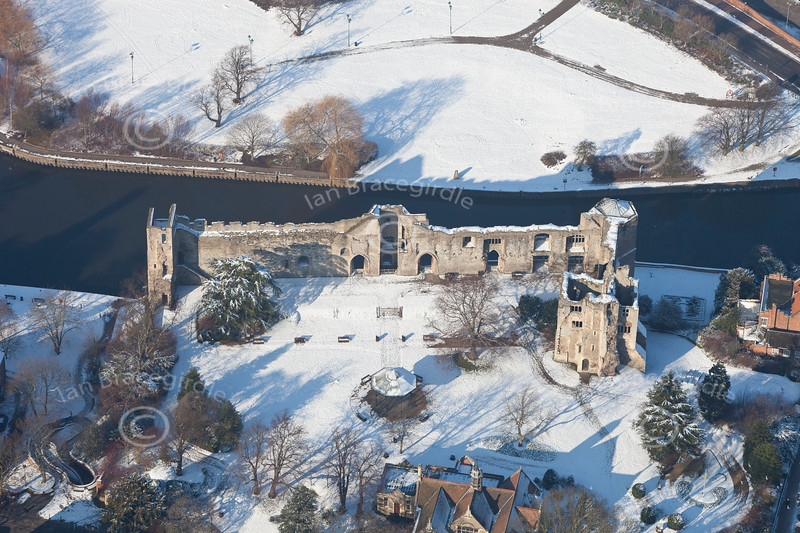 Newark Castle in the snow.