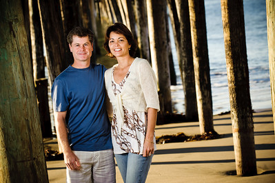 7458-d700_Amy_and_Michael_Savage_Capitola_Beach_Portrait_Photography