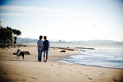 7524-d700_Amy_and_Michael_Savage_Capitola_Beach_Portrait_Photography