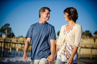 7552-d700_Amy_and_Michael_Savage_Capitola_Beach_Portrait_Photography