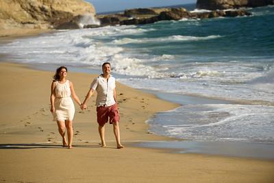 3595_d800b_Farnoosh_and_Behrang_Panther_Beach_Santa_Cruz_5yr_Anniversary_Couples_Photography