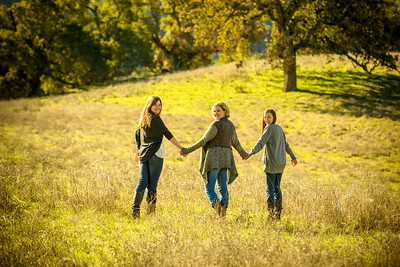 4395_d800_Allegra_Phoenix_Maren_Sisters_Rancho_San_Antonio_Open_Space_Preserve_Cupertino_Family_Photography