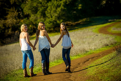 4428_d800_Allegra_Phoenix_Maren_Sisters_Rancho_San_Antonio_Open_Space_Preserve_Cupertino_Family_Photography