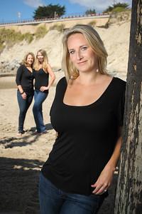 2587-d3_Diana_Malia_Jillian_Friends_Capitola_Beach_Portrait_Photography