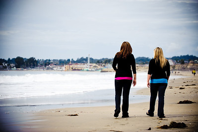 1325-d3_Diana_and_Denise_Santa_Cruz_Family_Photography_Seabright_Beach