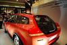 來到信義誠品發現一樓大廳正展出Volvo的概念車YCC