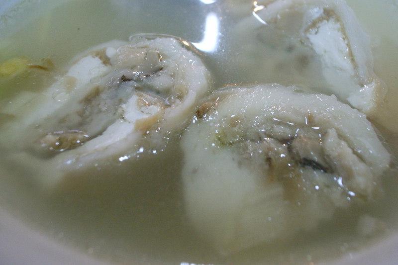 基隆小巷內的手工魚丸湯