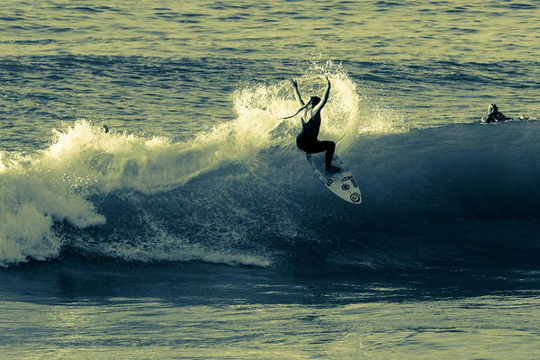 Surfing In split tones