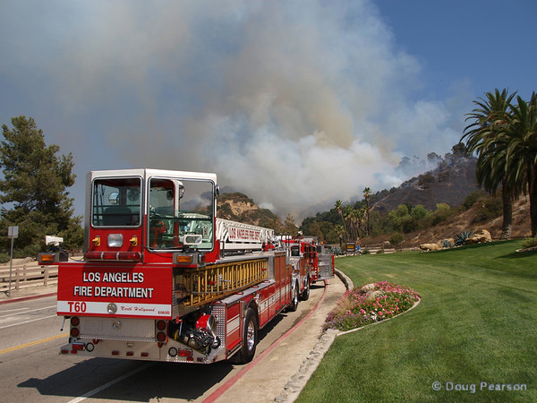 Brush fire near Travel Town in Griffith Park, Los Angeles, CA