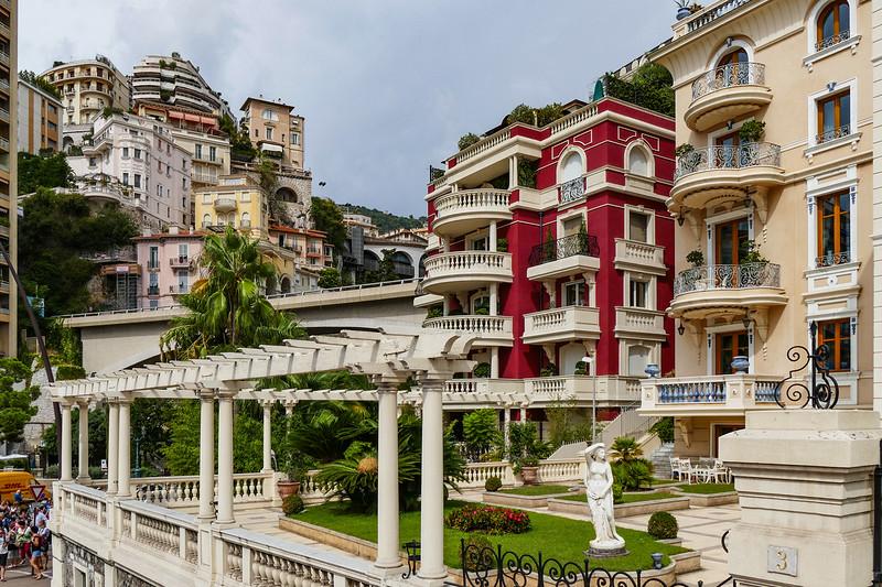 Detalhes Arquitetônicos de Monte Carlo