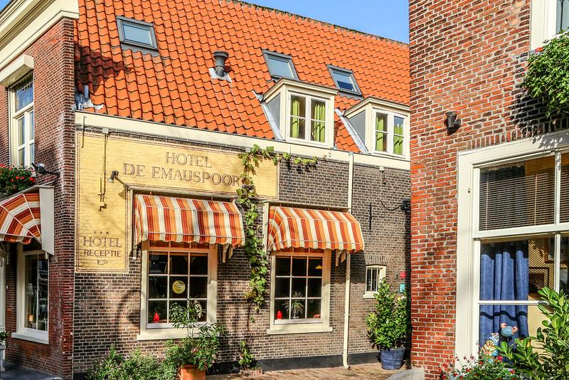 Detalhe Arqutetônico em Delft